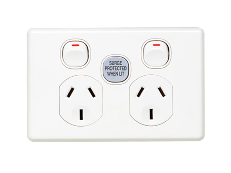 C2025SF Twin Switch Socket Outlet Classic 250V 10A 1 Pole